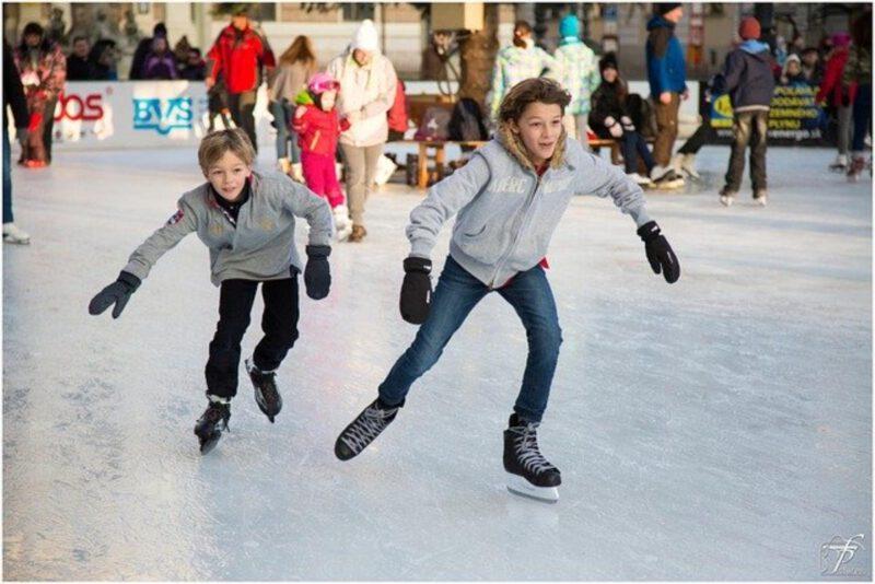 Nauka jazdy na łyżwach dla dzieci - jak nauczyć dziecko jeździć na łyżwach
