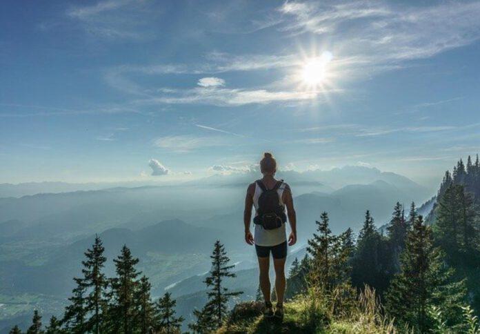trekkingi w górach